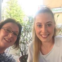 Testimonial durch Alina Havkic (22, rechts im Bild)